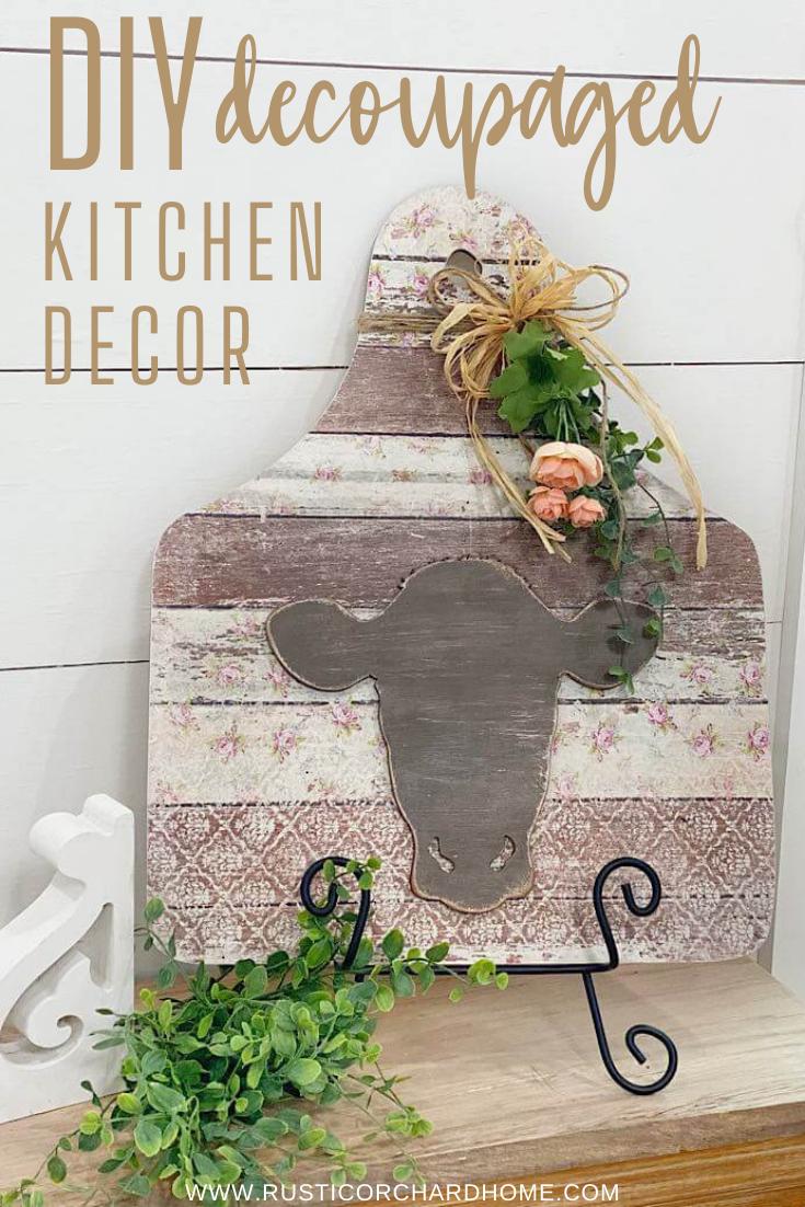 Créez votre propre décoration de cuisine découpée de style ferme de bricolage avec ce tutoriel de création économique.